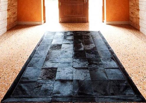 tapis patchwork en peau de vache europ enne. Black Bedroom Furniture Sets. Home Design Ideas
